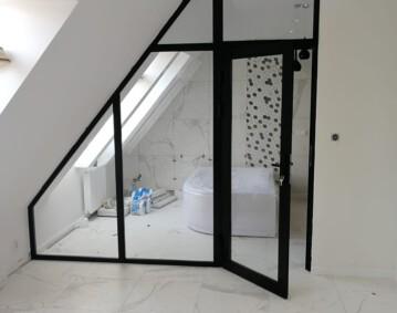 Ścianka loftowa pokój łazienka