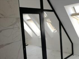 Ścianka loftowa widok od lazienki