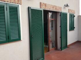 Okiennice aluminiowe zielone z ramą