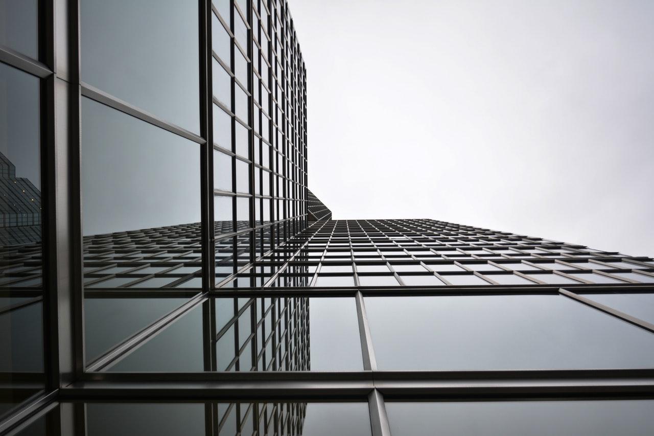 fasada narożna aluminium szkło