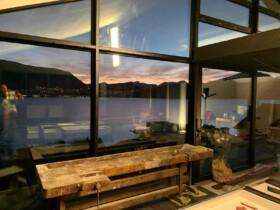 budowa domu z widokiem na jezioro stolarka aluminiowa